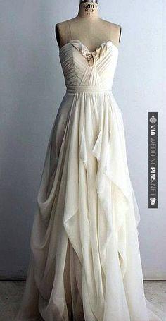 stunning boho chic wedding dress