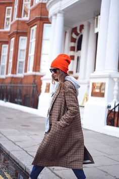 beanie: Primark, coat: Zara ( last season ), sneakers: Bimba & Lola ( this season ), pants: Zara ( this season ) Beanie Outfit, Fall Winter Outfits, Autumn Winter Fashion, Love Fashion, Fashion Outfits, Womens Fashion, Edgy Style, Outfits With Hats, Look Chic