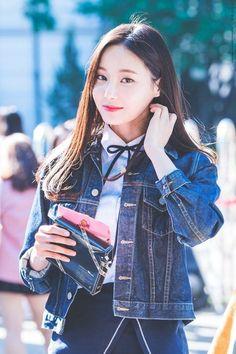 Kpop Girl Groups, Korean Girl Groups, Kpop Girls, Asian Cute, Beautiful Asian Girls, Daisy, Korean Celebrities, Pretty And Cute, Celebrity Gossip