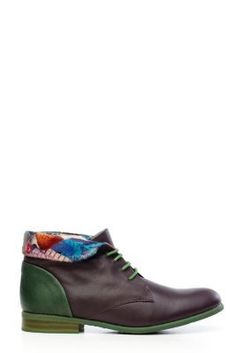 Sandia Desigual women's booties, unique and elegant. Classic brown and green hues with an inside-out fabric finish. Thin green laces. 100% not the same.