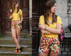 Wanted Style's look! Women's fashion and latest trends! Floral shorts, yellow shirt and adorable necklace - we love this outfit!  Click for more great outfits: http://i-wear.pl/