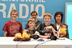 Diese glückliche Familie gewann tolle Preise an unseren Education Games!