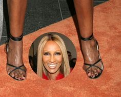EW: Check Out 8 Celebs With Truly Horrible Feet-- Including Paris Hilton, Katie Holmes & More! Paris Hilton Kim Kardashian, Walking In Heels, Foot Pictures, Animal Pictures, Balayage Hair Blonde, Bunion, Shaquille O'neal, Penelope Cruz, Katie Holmes