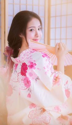 Asian Woman, Asian Girl, Petty Girl, Summer Kimono, Kimono Dress, Yukata, Beautiful Asian Women, Channel, Hanfu