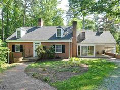 Charlottesville Real Estate 1531 Rugby Road, Charlottesville, VA 22903 listed by Sabina Harvey