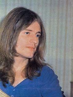 John Baldwin, más conocido como John Paul Jones, es un músico multiinstrumentista británico, reconocido principalmente por haber sido bajista del grupo Led Zeppelin.