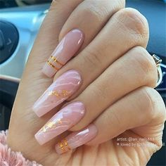 Rose Quartz Marble with Gold Accents on Coffin Nails Perfect Nails, Gorgeous Nails, Pretty Nails, Fancy Nails, Gold Acrylic Nails, Summer Acrylic Nails, Gold Coffin Nails, Nails With Gold, Marble Acrylic Nails