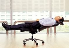 Lay Flat Chair for Complete Office Relaxation