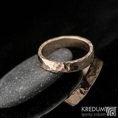 Zlatá svadobná obrúčka - Golden Draill Red Rings For Men, Silver Rings, Wedding Rings, Engagement Rings, Red, Jewelry, Enagement Rings, Men Rings, Jewlery