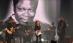 Bonnie Raitt is The Only Person Who Could Momentarily Steal Chris Stapleton's Spotlight in a Legendary Tribute to B.B. King