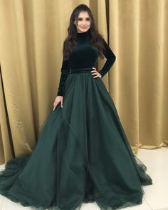 Indian Bridesmaid Dresses, Indian Gowns Dresses, Indian Fashion Dresses, Skirt Fashion, Shadi Dresses, Stylish Gown, Stylish Dresses For Girls, Fancy Dress Design, Stylish Dress Designs