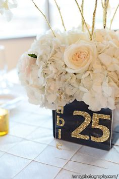 Posy, MMJ Events, Columbus Ohio, Wedding, Black and white, Gold, Blush pink, Ivory Room, Modern Wedding, Gold glitter branches, Centerpiece