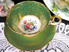 Aynsley tea cup and saucer green & gold gilt floral pattern teacup low doris