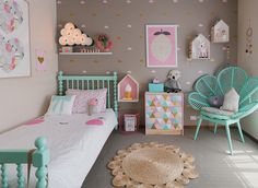 An amazing little girls room featuring some whimsical touches. Love the combination of grey and mint. From Petite Vintage Interiors.