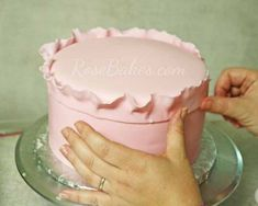 How to Do Fondant Ruffles on a Cake!!! Wedding? Birthdays??