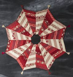 Sew a Quilted Christmas Tree Skirt!