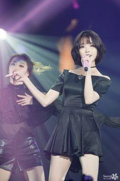 埋め込み画像 Korean Girl, Asian Girl, School Girl Dress, Beauty Contest, Pretty Asian, Girl Bands, Plaid Skirts, Her Music, Snsd