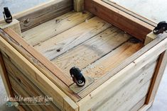 This DIY Planter Box with Wheels is perfect for any patio or garden area. It works perfectly for vegetables or flowers. And rolls where ever you want it. Tutorial is loaded with photos and step-by-step instructions to make this in one morning. Wooden Planter Boxes Diy, Wood Pallet Planters, Cedar Planter Box, Wooden Diy, Pallet Fence, Diy Planters Outdoor, Tree Planters, Garden Planters, Backyard Projects