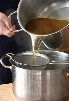 Supă de bază, stock, concentrat pentru mâncăruri și sosuri făcută în casă Food, Meals, Yemek, Eten