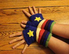 rainbow brite wrist warmers!!! pattern: http://www.ravelry.com/patterns/library/rainbow-brite-fingerless-mittens