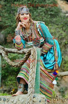 Traditional Fashion, Traditional Dresses, Country Look, Afghan Dresses, Arab Women, Wedding Wear, Pakistani Dresses, Bohemian, Saree