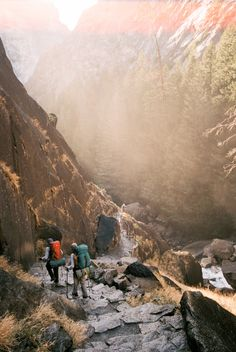 taylor mccutchan photography /  Backpackers on their way down from Vernal Falls in Yosemite National Park