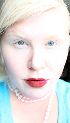 Porcelain is perfect. I am a child of albinism and I wear my skin proudly Melanism, Redhead Girl, Random Things, Cool Pictures, Beautiful People, Hair Color, Porcelain, The Incredibles, Child