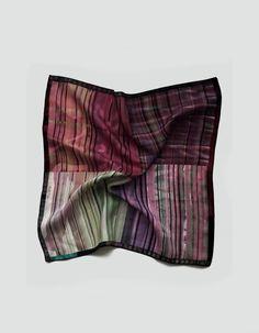 Pañuelo de bolsillo cuadrado de color marsala | Viva La Woolf