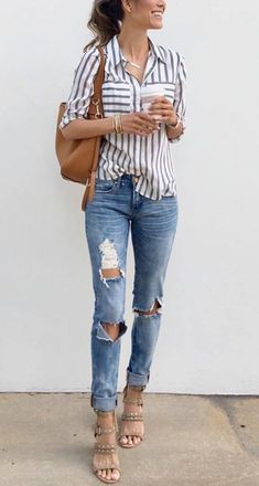 casual style addict / striped shirt + bag + ripped jeans + sandals
