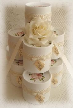 1 million+ Stunning Free Images to Use Anywhere Cajas Shabby Chic, Shaby Chic, Wedding Gifts For Bride, Ideas Para Fiestas, Candy Gifts, Small Gifts, Craft Gifts, Diy And Crafts, Handmade
