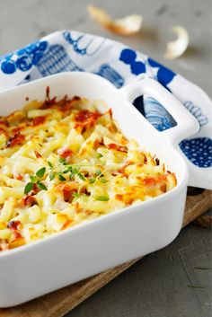 Helppo kinkkukiusaus Fish Dishes, Easy Cooking, Food Photo, Cheeseburger Chowder, Macaroni And Cheese, Food And Drink, Koti, Meat, Dinner