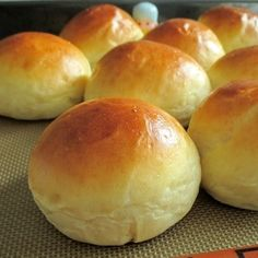 Olive Oil Buns - These soft and tender buns are the perfect addition to your breakfast!