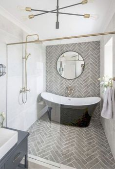 25 Small Standing Bath Designs for Tiny Spaces - Design Allure - bathroom - Badezimmer Bathroom Styling, Bathroom Storage, Bathroom Interior, Bathroom Ideas, Bathroom Organization, Bathroom Mirrors, Bathroom Cabinets, Master Bathrooms, White Bathroom