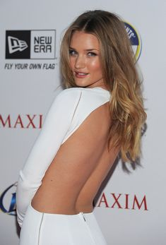 Rosie Huntington-Whiteley Long Curls - Rosie looked smokin' hot at the 2011 'Maxim' Hot 100 party. Her center part curls were perfect for her backless dress. Rose Huntington, Rosie Alice Huntington Whiteley, Long Curls, Hottest 100, Poses, Sensual, Mannequin, Hair Inspiration, Hair Color