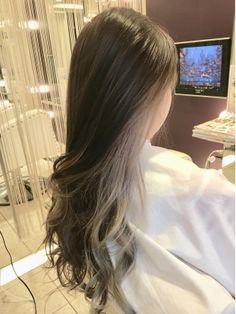 63 stunning examples of brown ombre hair - Hairstyles Trends Hair Color Streaks, Hair Dye Colors, Hair Inspo, Hair Inspiration, Hidden Hair Color, Cheveux Oranges, Hair Color Underneath, Hair Extensions Best, Aesthetic Hair