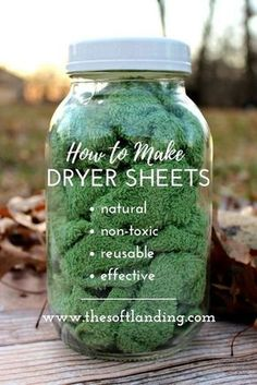 Conventional dryer sheets have a nasty list of negative health effects but these easy non-toxic dryer sheets are the perfect alternative! via /thesoftlanding/