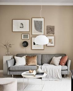 Small studio with beige walls Mid Century Modern Living Room Beige Small Studio Walls Beige And Grey Living Room, Beige Room, Brown Walls, Beige Walls, Beige Couch, Living Room Interior, Living Room Decor, Living Room Walls, Interior Livingroom