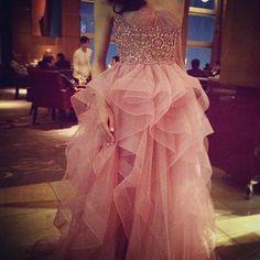 The Ritz-Carlton Tokyo 45階のLobbyフロアでのプレシューティング。  前の投稿に続き、ハツコエンドウでお選びいただいたReem Acraのカラードレスです。  #wedding#weddingdress #reemacra #theritzcarltontokyo #instawedding #bridal#ウェディング#ウェディングドレス#結婚式#結婚式準備#ブライダル#プレ花嫁#プレシューティング#ザリッツカールトン東京 #カラードレス#お色直し#リッツカールトン #ハツコエンドウ#hatsukoendo#ウェディングフォト#ロケーションフォト#リームアクラ