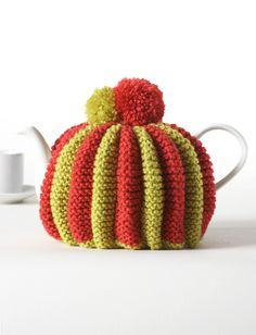 Ahhh the good old tea cozy must attempt soon my teapot doesnt knitted pleated tea cozy in bernat super value discover more patterns by bernat at loveknitting the worlds largest range of knitting supplies we stock dt1010fo