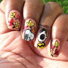Charlie Brown fall nail art! So cute