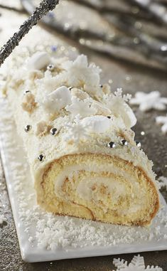 5 bûches que l'on a adoré revisiter - 4 photos Ketogenic Recipes, Keto Recipes, Cooking Recipes, Bread Recipes, Cake Recipes, Yule Log Cake, Sweet And Salty, Food And Drink, Ethnic Recipes