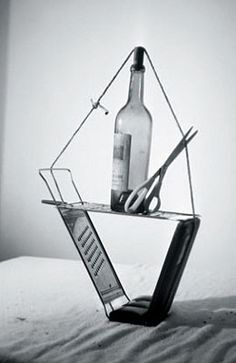 Wine bottle on a boat? Fishchli and Weiss