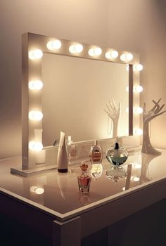 High Gloss White Hollywood Makeup Dressing Room Mirror with Dimmable Bulbs k313