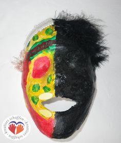 selbstgemachte Gipsmaske Lettering, Wreaths, Halloween, Character, Decor, Art, Homemade, Art Background, Decoration