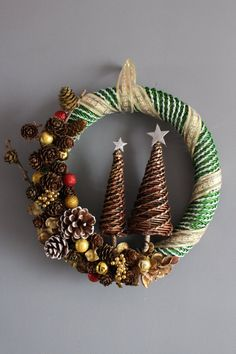 Christmas Diy, Christmas Wreaths, Christmas Ornaments, Paper Jewelry, Xmas Decorations, Basket Weaving, Knitting, Holiday Decor, Quilling