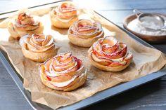Álomszép almarózsa házilag – A látványos finomsághoz alig kell valami Apple Rose Pastry, Apple Roses, Fig Spread, Gourmet Recipes, Ale, Cheesecake, Brunch, Pumpkin, Treats