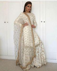 Ideas For Dress Pattern Indian Kurti Pakistani Wedding Outfits, Pakistani Bridal Wear, Pakistani Dress Design, Bridal Lehenga, Pakistani Couture, Bridal Outfits, Pakistani Dresses, Indian Attire, Indian Outfits