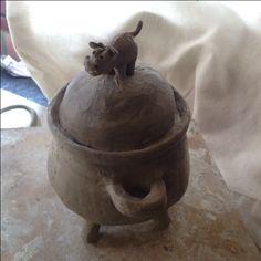 Hippo pot