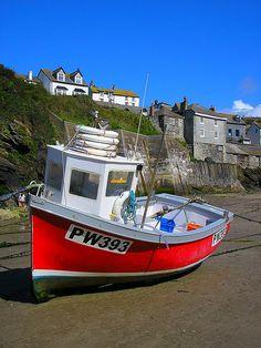A beached fishing boat at Port Issac, North Cornwall