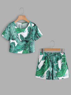 Shop Palm Leaf Print Keyhole Back Top With Shorts online. SheIn offers Palm Leaf Print Keyhole Back Top With Shorts & more to fit your fashionable needs.
